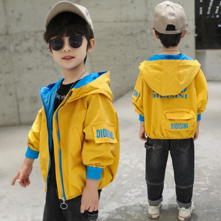 男童后背包包外套