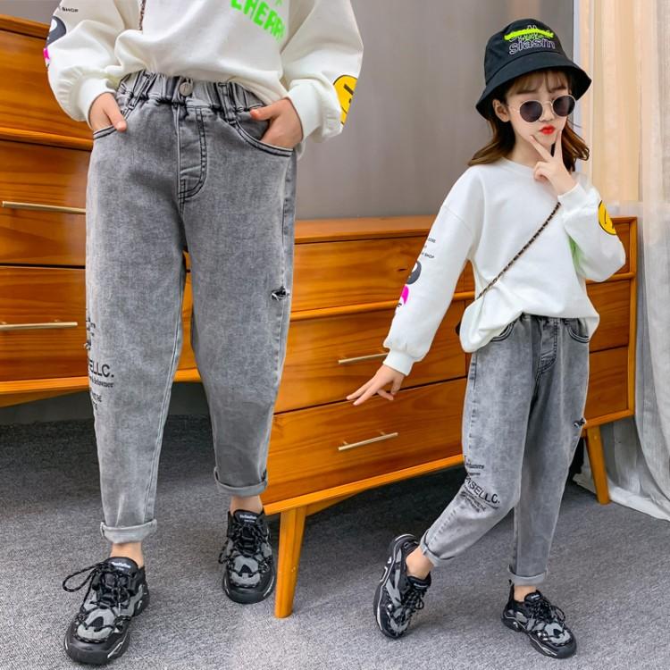 女童烟灰色破洞裤