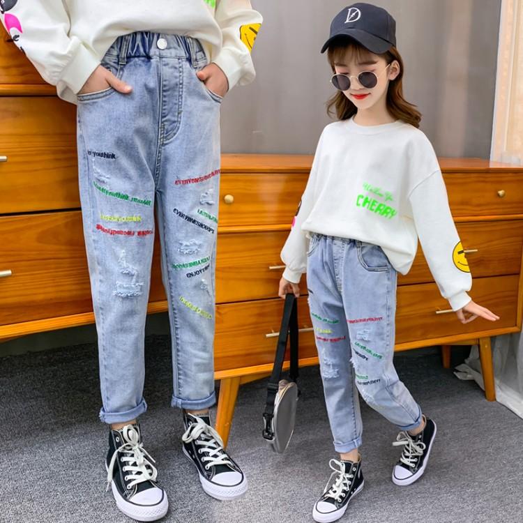女童彩色绣花字母牛仔裤