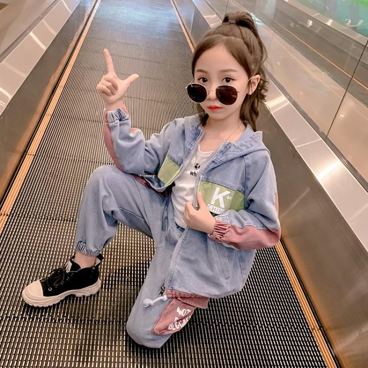 2020款春秋新款牛仔套装女童K字印花时尚拼色牛仔长袖套装